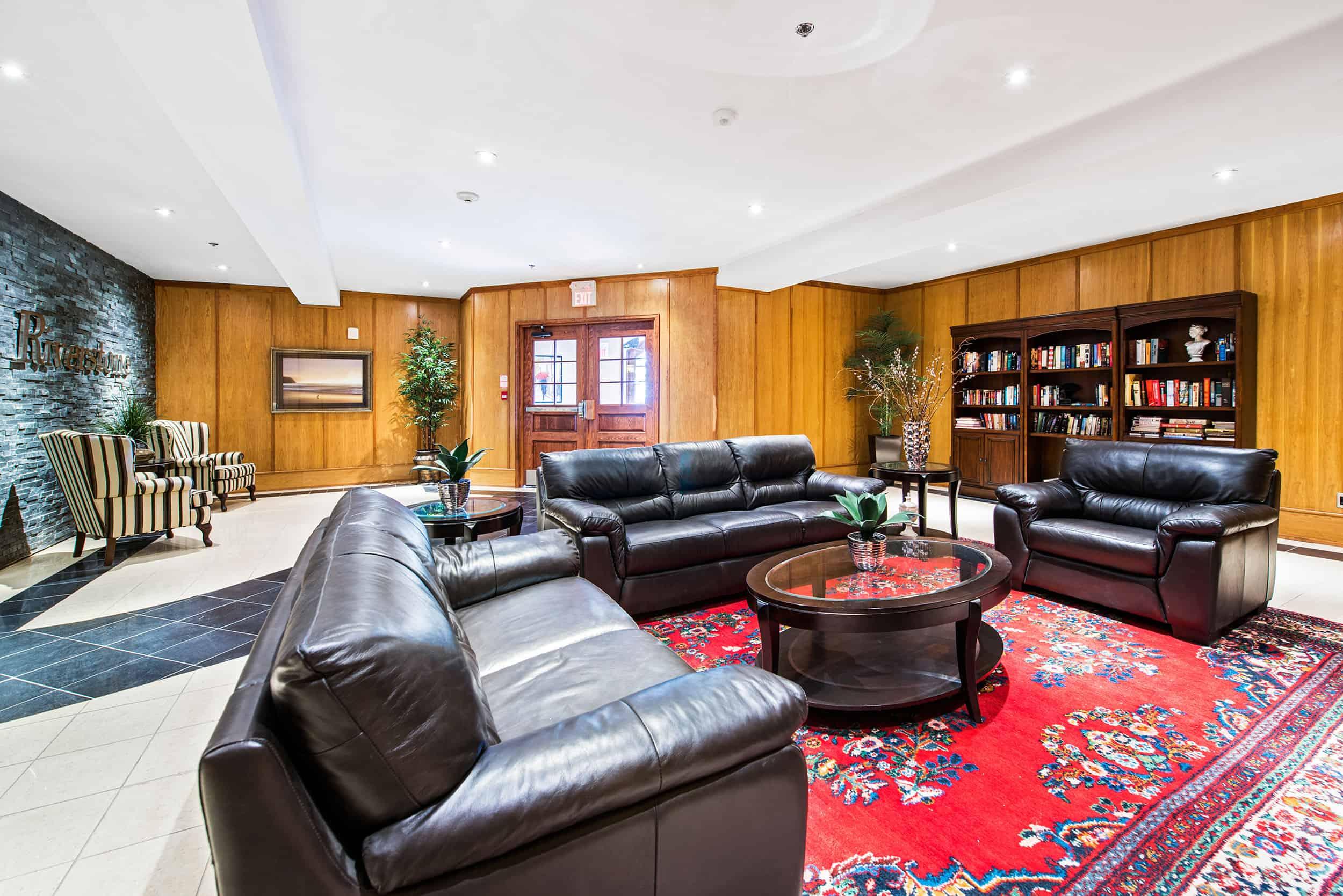 Kingston ON- Apartment Living