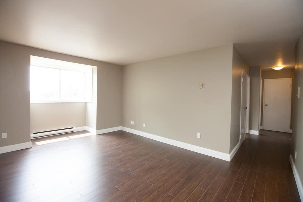 Apartment Living Room- Kingston